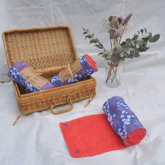 Essuies tout motifs prairie fleurie bleue